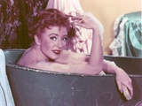 Amanda Blake in Bath Tub Photo by  Movie Star News