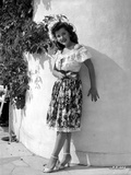 Ann Rutherford Leaning on a Curved Wall Photo by  Movie Star News