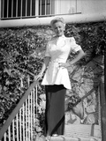 Carole Landis posed and smiling Photo by  Movie Star News
