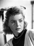 Dorothy McGuire Looking Away in Black and White Photo by  Movie Star News