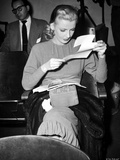 Dolores Moran Reading Portrait Photo by  Movie Star News