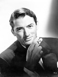 Gregory Peck With Cigarette Black and White Portrait Photo af Movie Star News