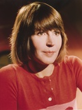 Helen Reddy in Red Knitted Blouse Photo by  Movie Star News