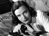 Ella Raines on Long Sleeves and Holding a Phone Photo by  Movie Star News