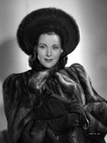 Frances Dee posed in Fur Dress in Black and White Photo by  Movie Star News