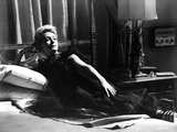 Deborah Kerr Lying on Bed and posed Photo by  Movie Star News
