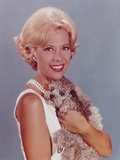 Dinah Shore Portrait wearing White Dress Photo af Movie Star News