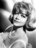 Dorothy Malone on a Pearl Necklace Leaning and posed Photo by  Movie Star News