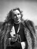 Frances Farmer on Thick Furry Coat Portrait Photo by  Movie Star News