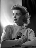 Dorothy McGuire on Long Sleeve Top and Pose Photo by  Movie Star News