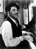 Fats Waller Smoking Cigarette while Playing the Piano Photographie par  Movie Star News