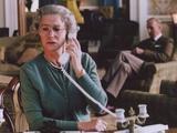 Helen Mirren Calling in Green Formal Dress Photo by  Movie Star News