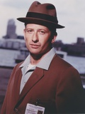 Homicide Man in Brown Coat with Brown Hat Photo by  Movie Star News