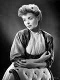 Dorothy McGuire on a Printed Top Leaning and posed Photo by  Movie Star News