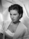 Jean Simmons Portrait in Fringe Knitted Top Shoulder Dress and Shawl with Hoop Earrings Photo by  Movie Star News