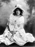 Mary Pickford on a Gown and sitting Photo af  Movie Star News