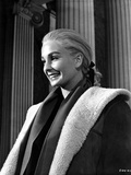 Jean Simmons Posed in Black Linen Sport Coat and White Overcoat Foto af  Movie Star News