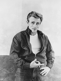 James Dean Portrait in Black Tuck On Jacket and Black Jeans with Left Hand on the Waist Foto van  Movie Star News