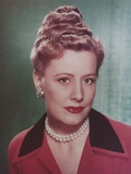 Irene Dunne with Pearl Necklace Close Up Portrait Photo by  Movie Star News