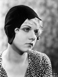 Jean Harlow Portrait in Black Bonnet Fotografía por Movie Star News