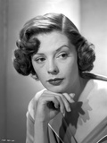 Jane Greer Leaning on a Hand Portrait Photo by  Movie Star News