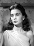 Jean Simmons Portrait in White Single-Shoulder Strap Dress Photo af Movie Star News