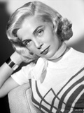 Lizabeth Scott Pose in White Top with Scarf Photo by  Movie Star News