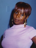 Mary Blige Posed in White Dress Photo by  Movie Star News