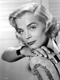 Lizabeth Scott Portrait Leaning on Couch in Classic Photo by  Movie Star News
