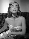 Lizabeth Scott Seated in Gown Classic Portrait Photo af Movie Star News
