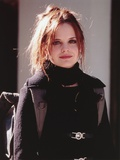 Mena Suvari Posed in Black Outfit Portrait Photo af Movie Star News