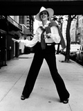 Liza Minnelli Posed in Sleeves with Black Jeans Photo by  Movie Star News