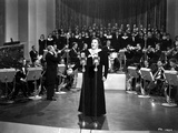 Kate Smith singing in Classic Photo by  Movie Star News