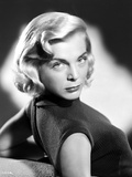 Lizabeth Scott posed in Black Shirt Classic Portrait Photo by  Movie Star News