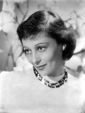Luise Rainer Chin Down Pose with a Necklace Photo by  Movie Star News