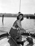 Mary Martin on Printed Dress sitting Portrait Photo av  Movie Star News