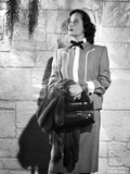 Merle Oberon wearing Coat with Bag and Fur jacket Photo by  Movie Star News