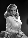 Lizabeth Scott Portrait in Classic in Coat with Gloves in Black Background Photo by  Movie Star News