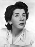Maureen Stapleton Portrait wearing White Printed Blouse with Flower Earrings Photo by  Movie Star News