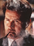 Martin Sheen Close-up Portrait Smoking in Black Suit Photo by  Movie Star News