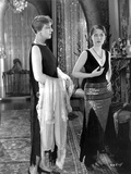 Norma Shearer standing in Classic Photo af Movie Star News