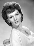 Mary Martin sitting and Leaning Portrait Photo av  Movie Star News