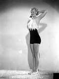 Penny Singleton Posed with Hands on Back of Head in Sexy Sportswear Foto af  Movie Star News