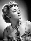 Penny Singleton Looking Away wearing Flower Necklace Portrait Foto af  Movie Star News