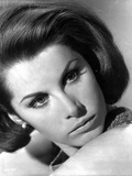 Stefanie Powers in Black and White Close Up Portrait Foto af  Movie Star News