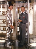 Lost In Space Two Men looking Away in Movie Scene Photographie par  Movie Star News