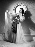 Mary Martin on a Lace Dress and Swaying her Skirt standing Pose Photo av  Movie Star News