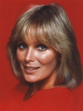Linda Evans smiling Close Up Portrait Photo by  Movie Star News