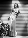 Mary Martin standing and Leaning Portrait Photo av  Movie Star News