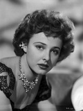 Laraine Day posed wearing Necklace in Black and White Photo by  Movie Star News